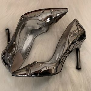 Guess WGMaggy Silver Heels Size 7